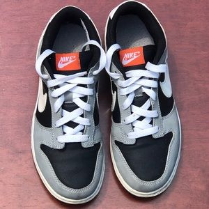 Youth Nike dunk sneakers